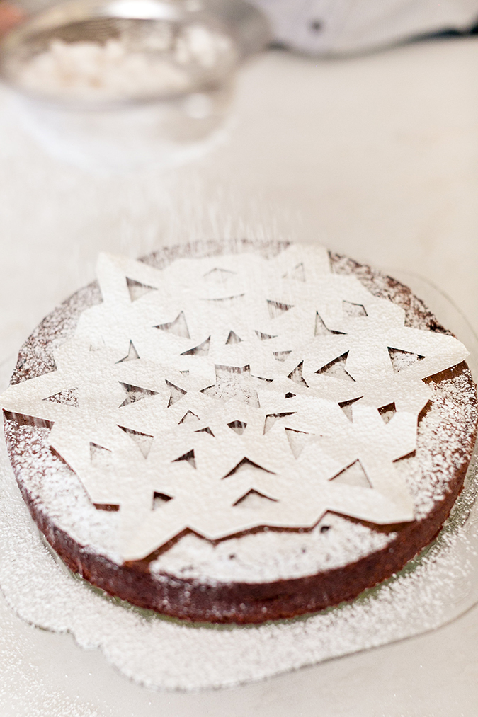 Snowflake sugar cake for the holidays