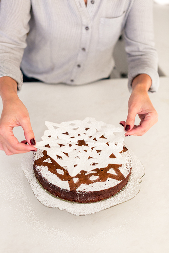 Lauren Conrad's holiday sugar snowflake cake