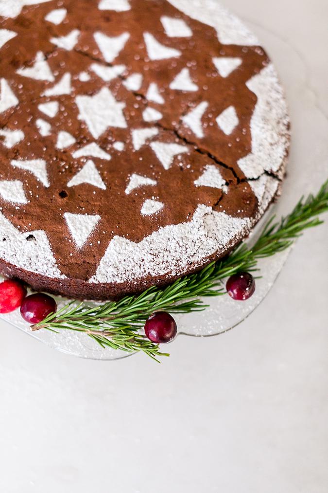 Snowflake sugar cake