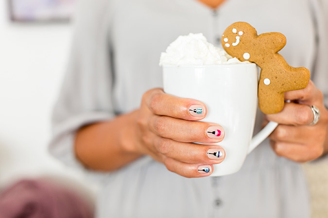 the sweetest holiday mani