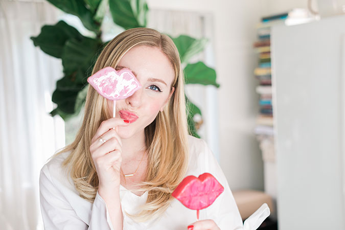The cutest kissable cake pop recipe on LaurenConrad.com