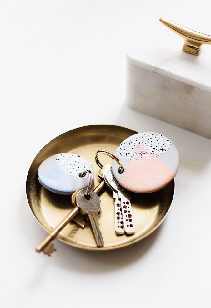 DIY speckled clay keychains via Sugar and Cloth