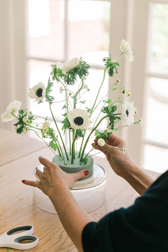 how to arrange your own flowers at home