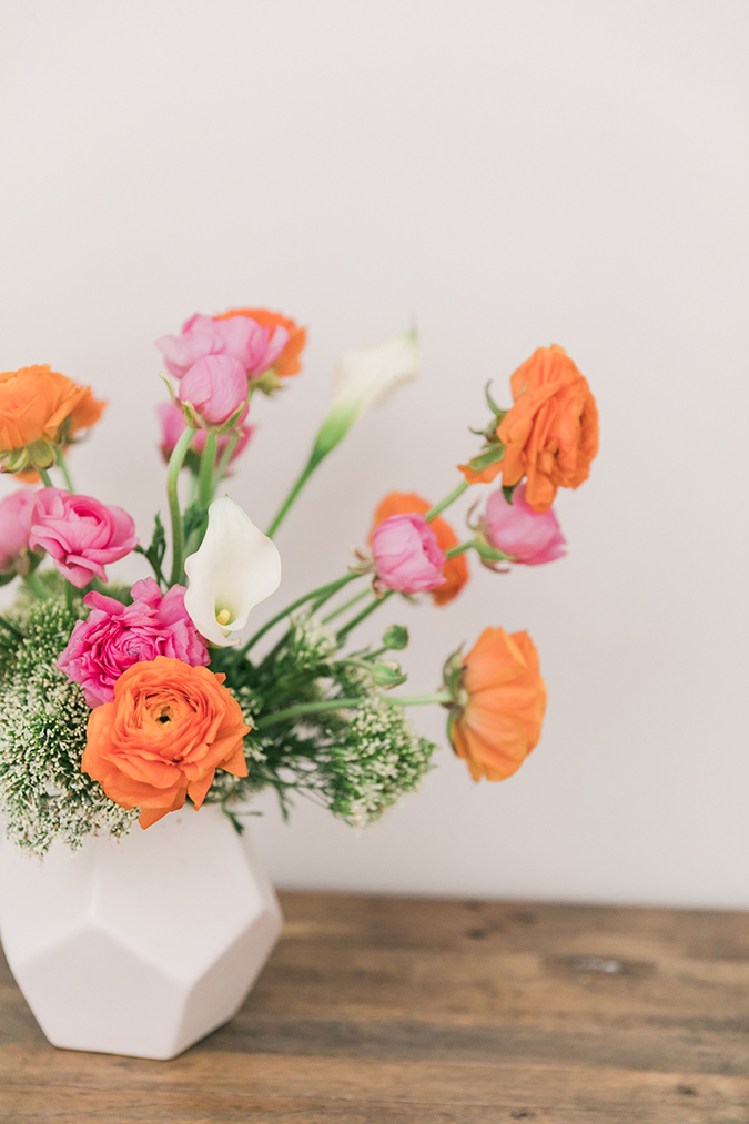 Ranunculus flower arrangement that grows