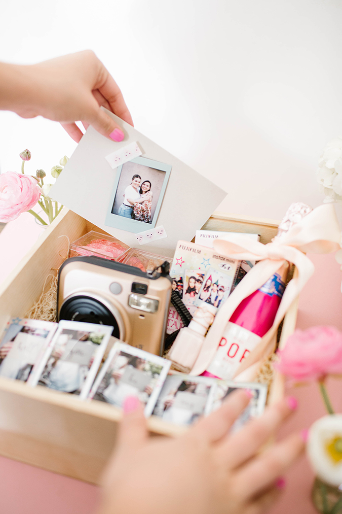 Unique giftbox to ask your friends to be in your wedding