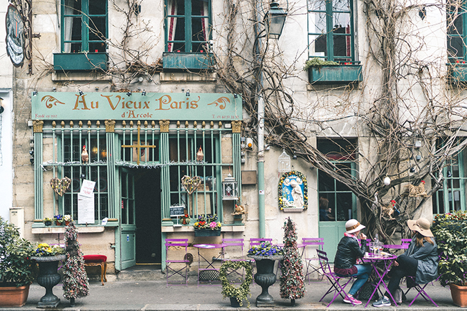 Parisian café via Find Us Lost