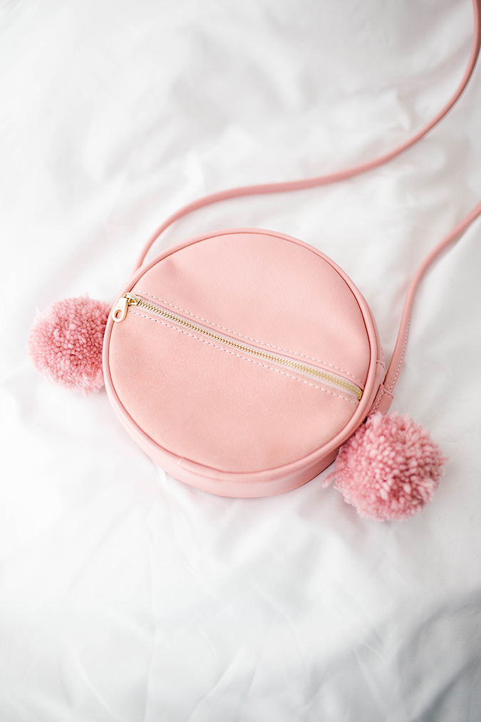 Ban.do Sidekick Crossbody Circle Bag in Rosé
