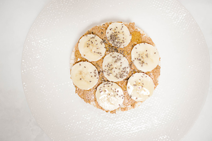 Banana and almond butter rice cake