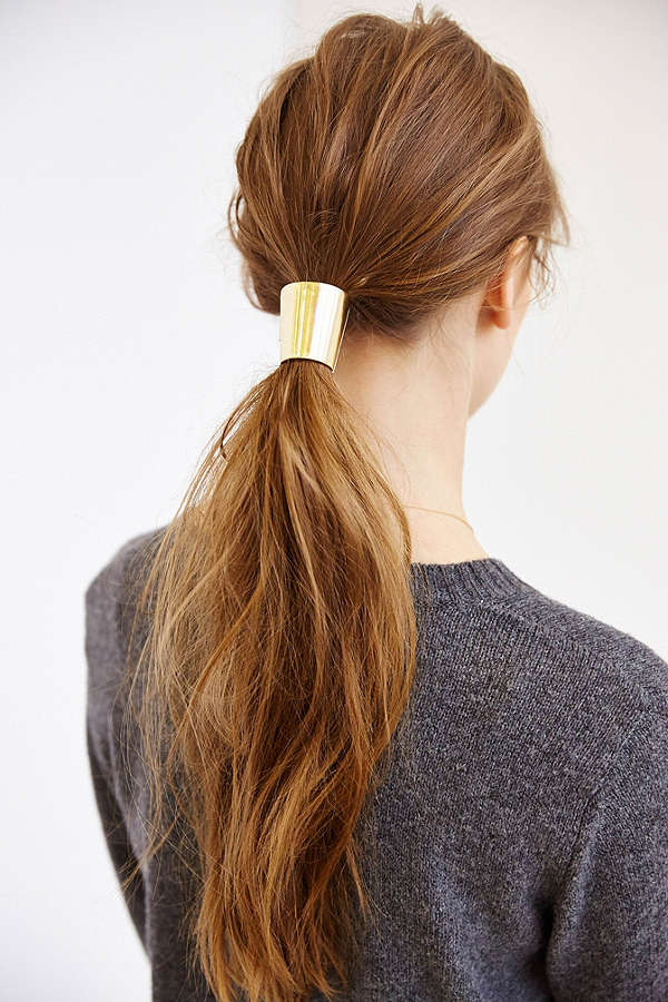 Beauty Note  The Best Hair Tie For Your Hair Type and Style - Lauren ... 47df8b77744