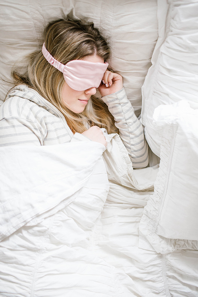 how you should be layering your skincare products before bed