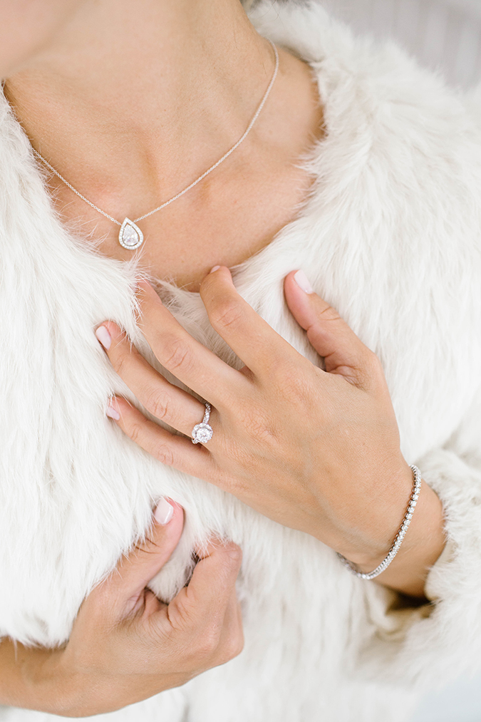 how to style your wedding day jewels