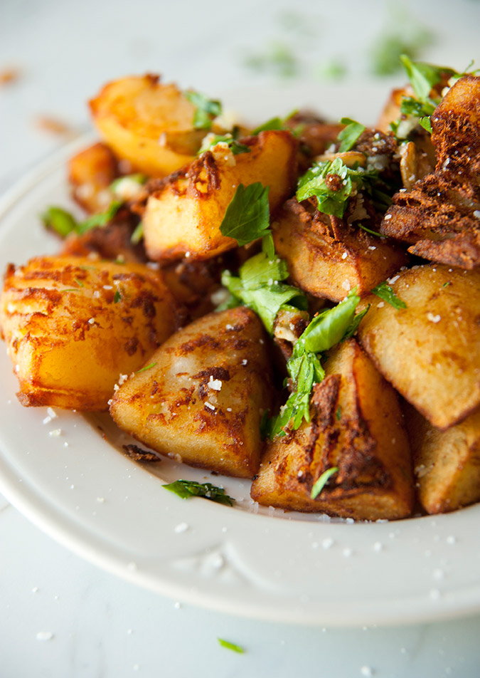 savory breakfast potatoes via The Kitchy Kitchen