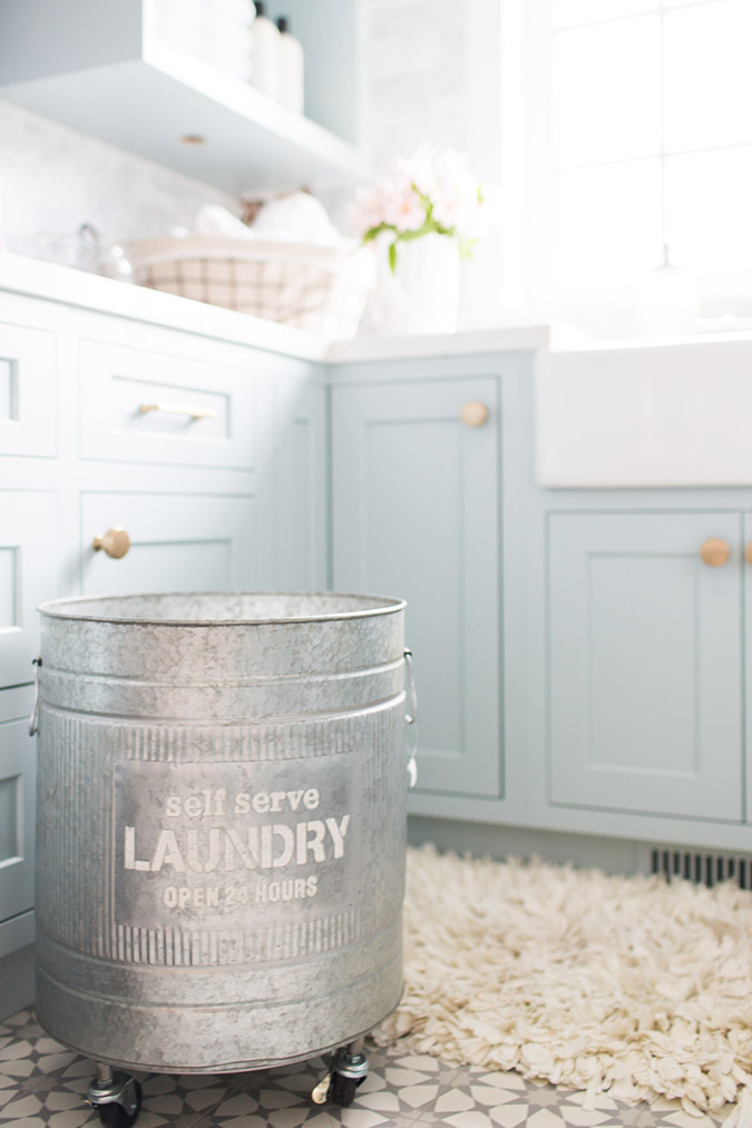 Jillian Harris' baby blue wash room