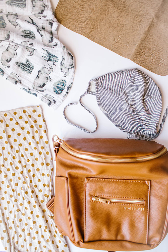 diaper bag checklist via LaurenConrad.com