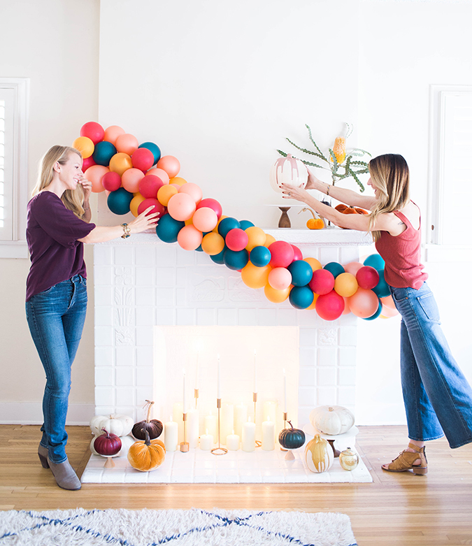 How To Decorate Girly Bedroom: Mantle Makeover: How To Decorate Your Mantle For Halloween