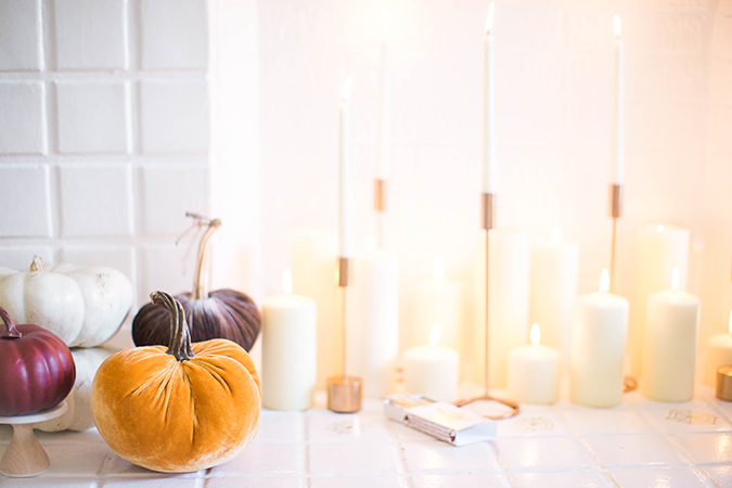 pretty Halloween mantle decor