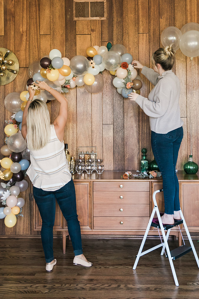 DIY festive balloon arch with Balloon Time