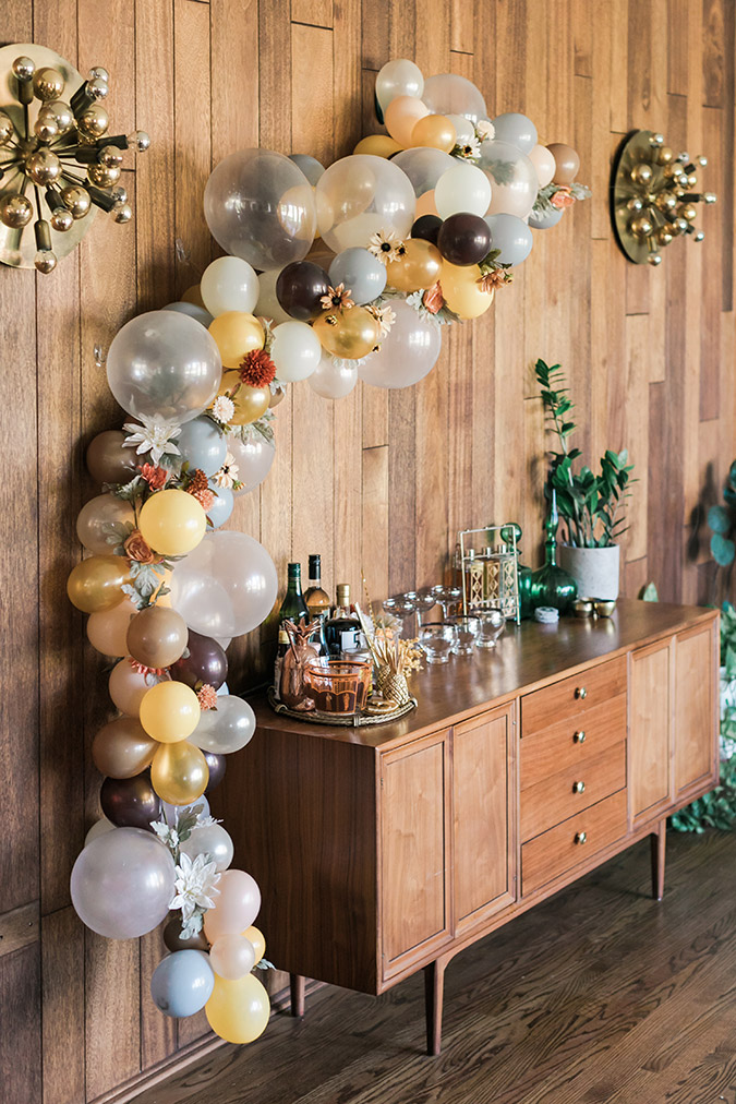 DIY balloon arch via LaurenConrad.com