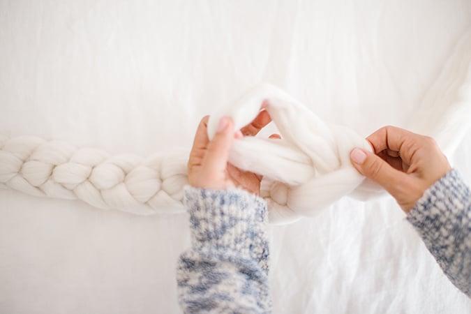 Diy Gift Guide Hand Knitted Throw Blanket Lauren Conrad