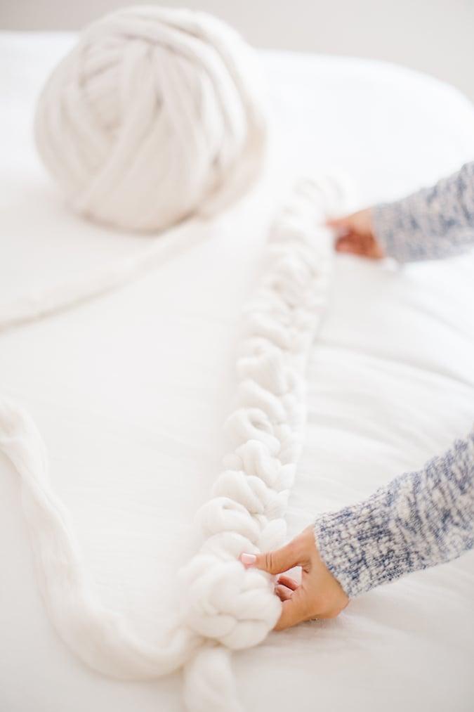 hand-knitted throw blanket tutorial via LaurenConrad.com