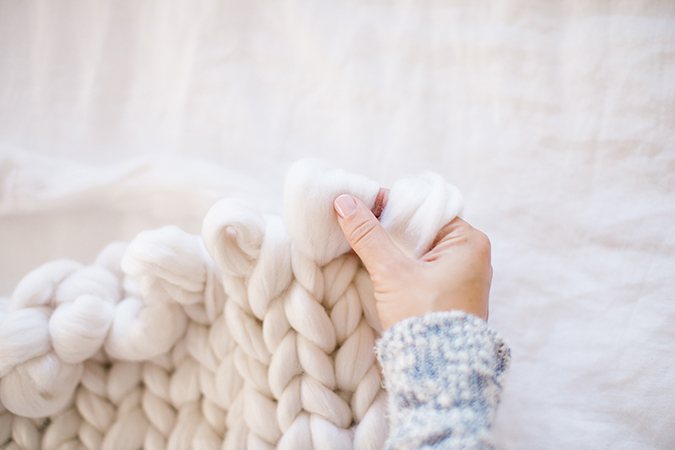 easy throw blanket tutorial via LaurenConrad.com
