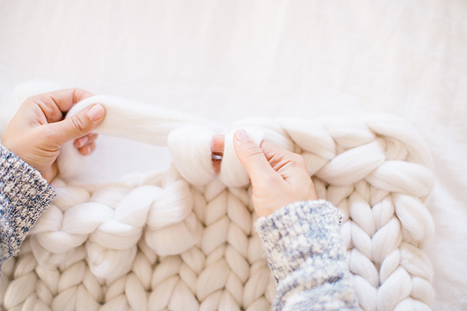 DIY throw blanket tutorial on LaurenConrad.com
