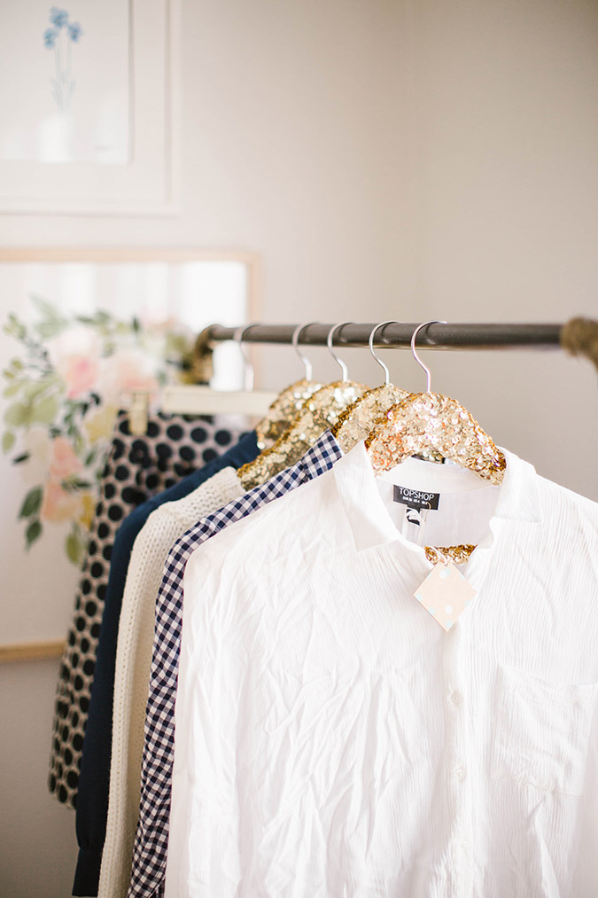 how to successfully clean out your closet