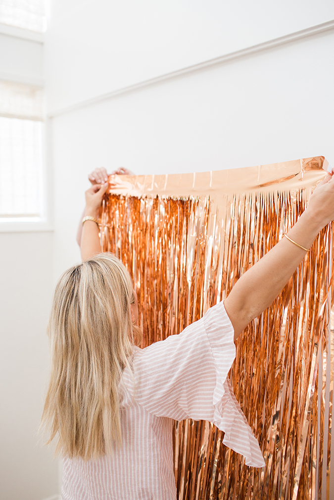 how to make a DIY photo backdrop via laurenconrad.com