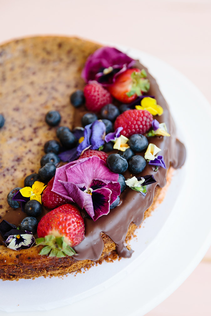 blueberry cheesecake with melted chocolate via laurenconrad.com