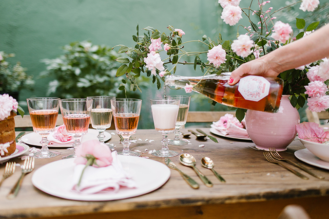 pretty pink rosé tasting picnic via laurenconrad.com
