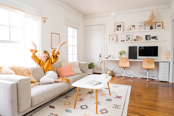 light and bright home tour via glitter guide