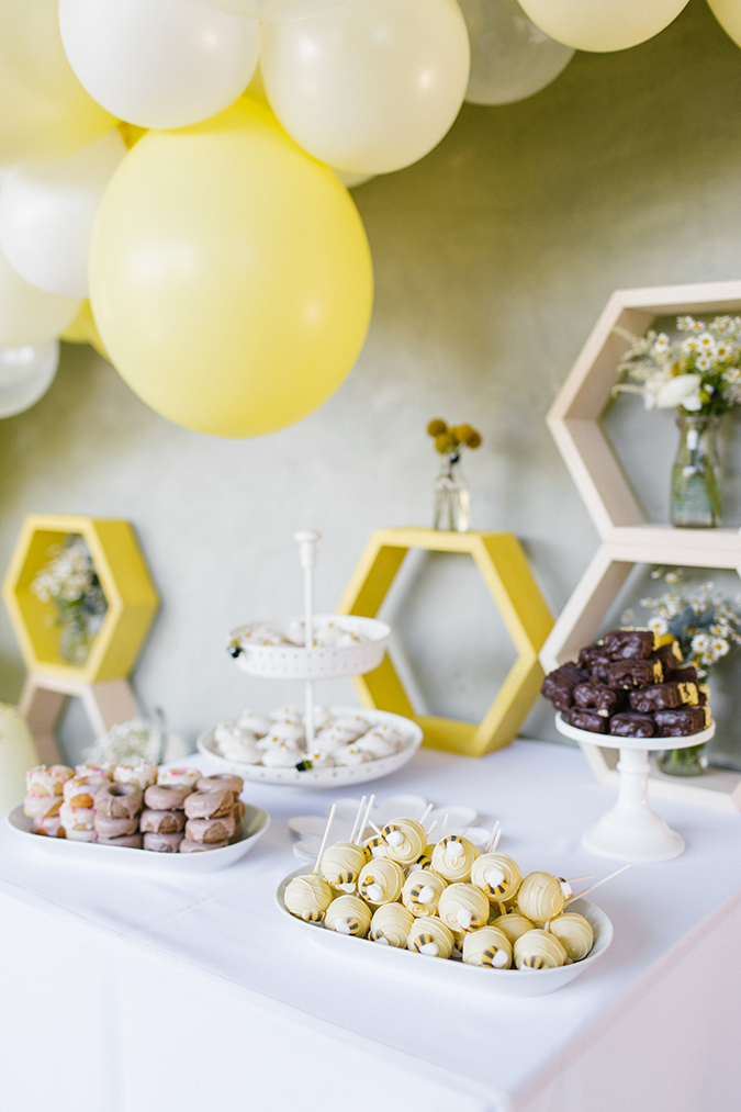"a bee-themed first ""bee-day"" party via laurenconrad.com"