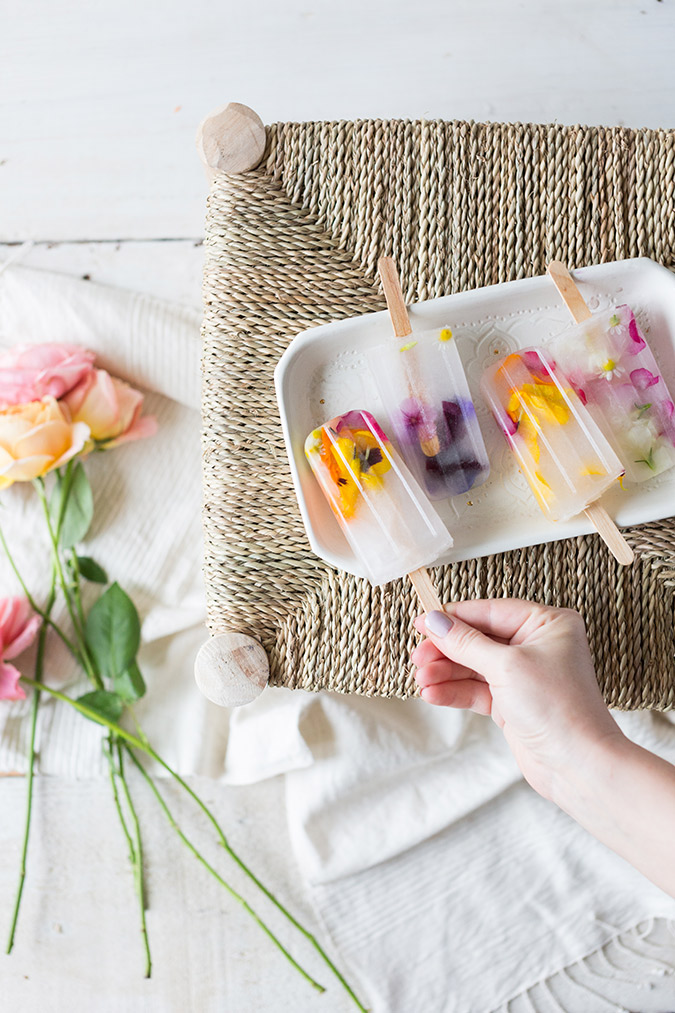 edible flower popsicles recipe via laurenconrad.com