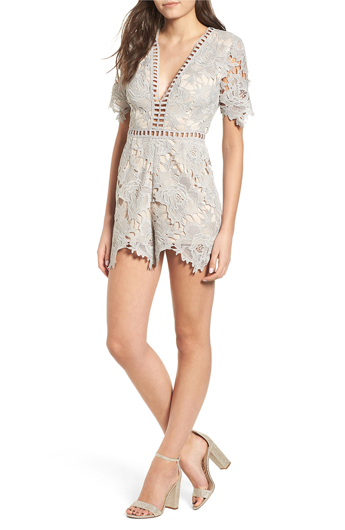 ASTR the label short sleeve v-neck romper