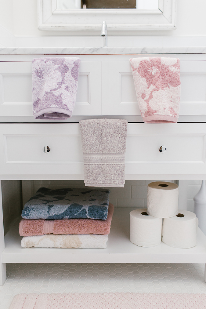 LC Lauren Conrad bath towel collection
