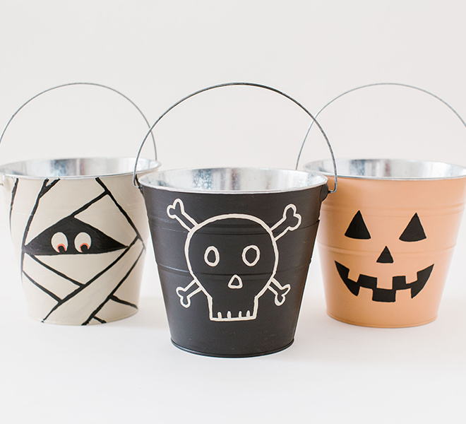 Hocus Pocus: DIY Trick-or-Treat Pails