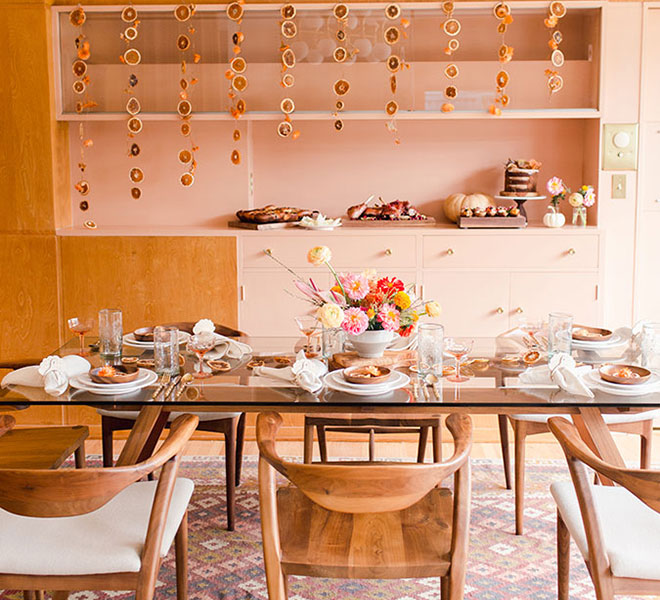Party Planning: A Midcentury Modern Friendsgiving