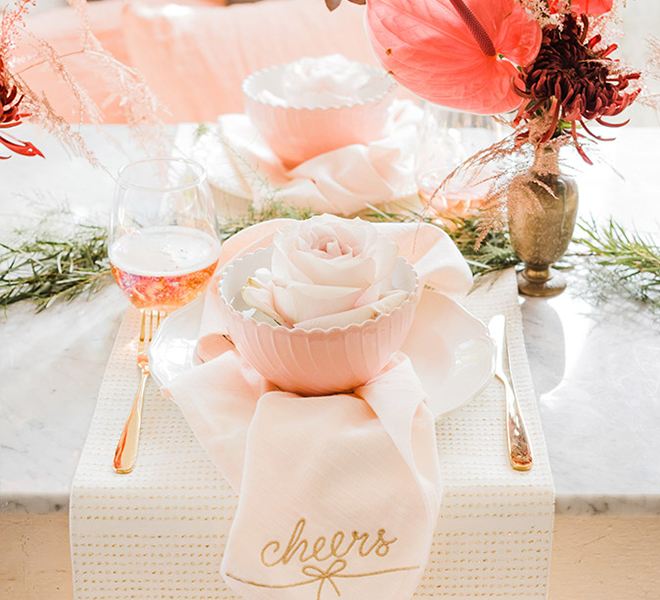 Party Planning: A Pretty Pastel Holiday Tablescape