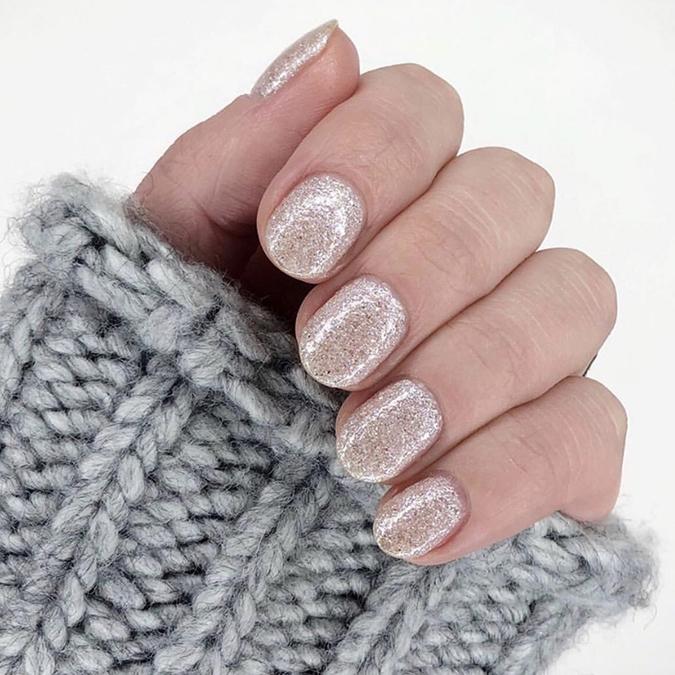 NYE nail inspo via laurenconrad.com
