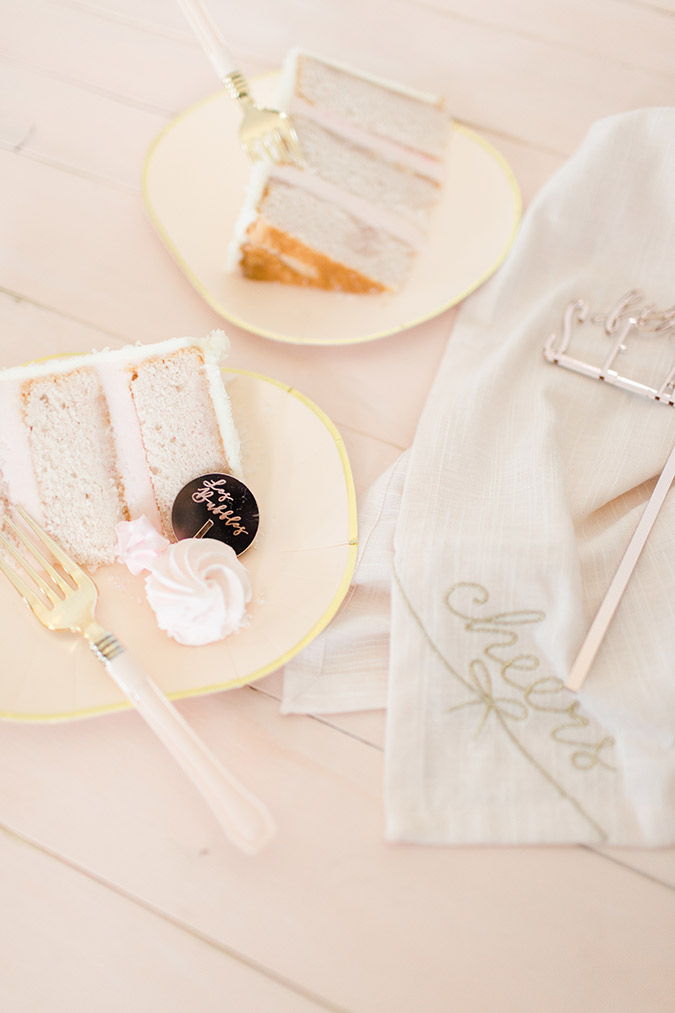 champagne flavored desserts for NYE via laurenconrad.com