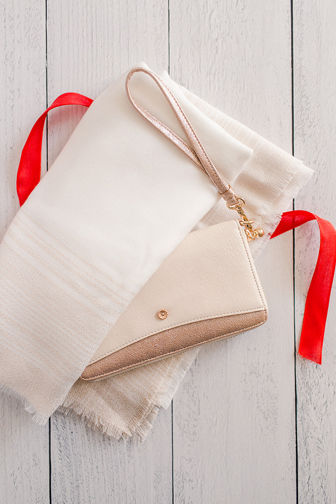 Eco-Friendly Gift Wrap