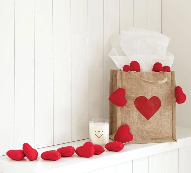 Quiz: The Lauren Conrad Co. Guide to Determining Your Love Language