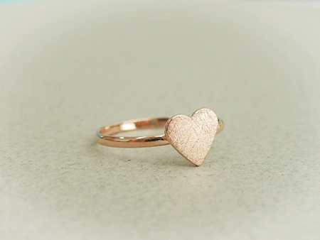 pretty heart ring via Etsy