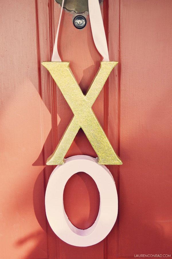 Cupids Corner DIY XO Door Hanger Lauren Conrad