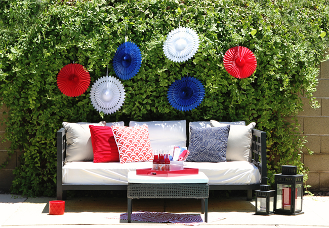 Celebrate fourth of july party spread lauren conrad for 4th of july decorating ideas for outside