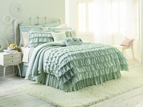 chic peek introducing my kohl 39 s bedding collection lauren conrad